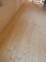 zaklopená podlaha natřená tvrdým podlahovým olejem Kreidezeit