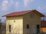 střecha je kokryta modifikovanými bitumenovými pásy s pozink oplechováním