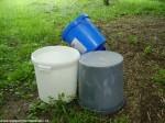 kbelíky zdarma 40l na odpad a 25 l na pilyny vychází 1:1