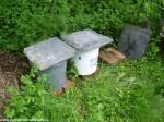 2. fáze odpadu, kde se odpaří část vody, do kbelíku neprší a hlavně hmyz začíná svou práci
